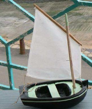 maquette bateau qui flotte. Black Bedroom Furniture Sets. Home Design Ideas
